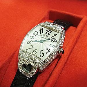 フランクミュラー トノーカーベックス 時計 高価買取
