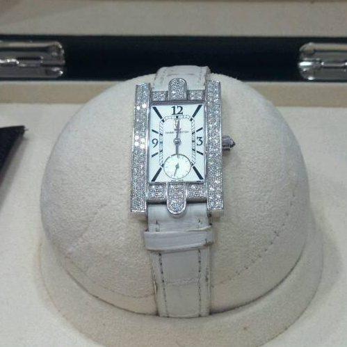 ハリーウィンストン 腕時計 高価買取 アベニュー クオーツ