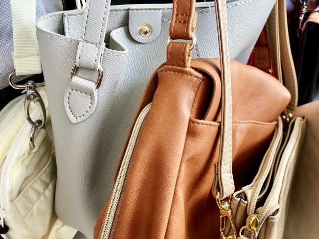 【本革バッグのお手入れ】正しいレザーバッグのケア方法を徹底解説! 日頃のお手入れから色移りやシミの対処法まで