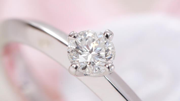 ダイヤモンドジュエリーのお手入れ