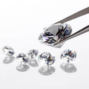 ダイヤの値段はどうやって決まるの? ダイヤモンドとカラーダイヤモンドの評価基準を説明します