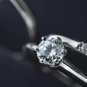 光り輝くダイヤモンド!その特徴と買取基準のおはなし