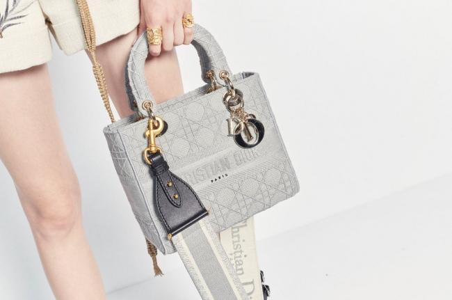 Dior 2020 春夏 コレクションの最新作「LADY D-LITE 」