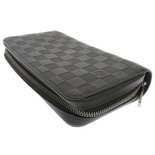 一回り大きめの財布