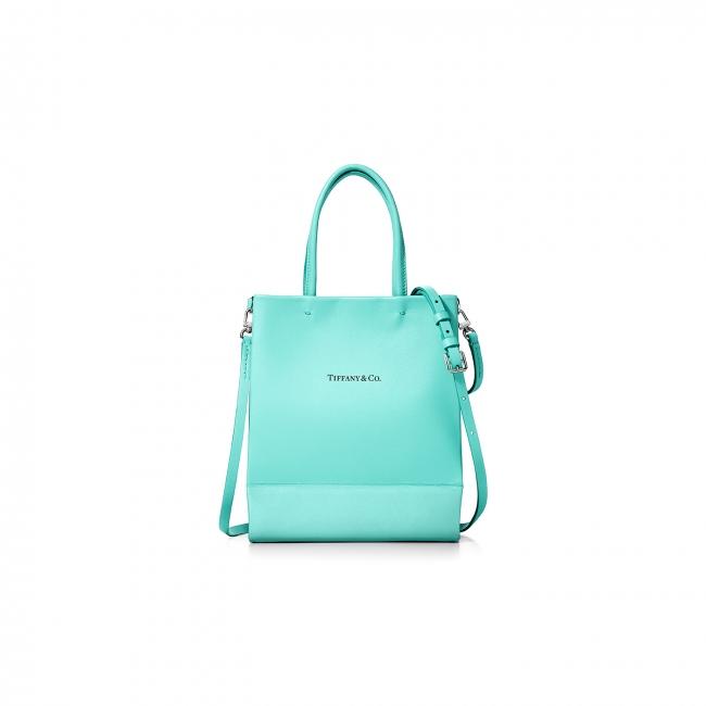 ティファニーのショッピングバッグがレザーバッグになって登場!