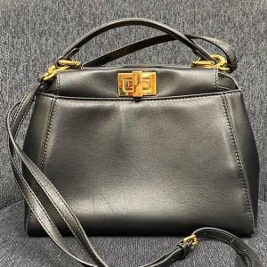 シンプルで女性から人気のバッグ
