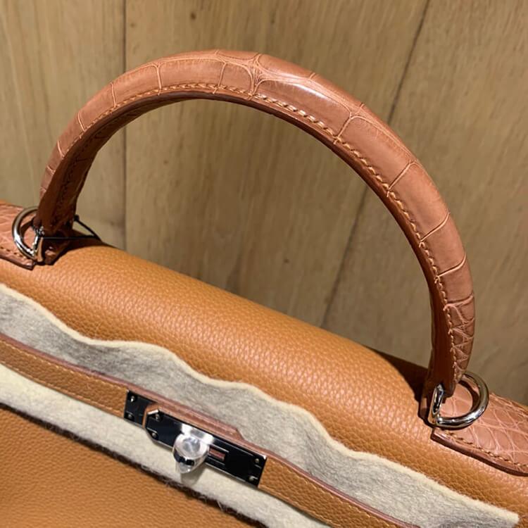 秋冬にはゴージャスなエルメス(HERMES)のバッグを取り入れて。