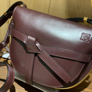 秋冬用のバッグにロエベ(LOEWE)のゲートフレームはいかがでしょうか?