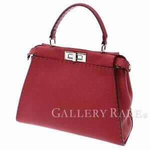 ファッションの差し色に!赤いブランドバッグ