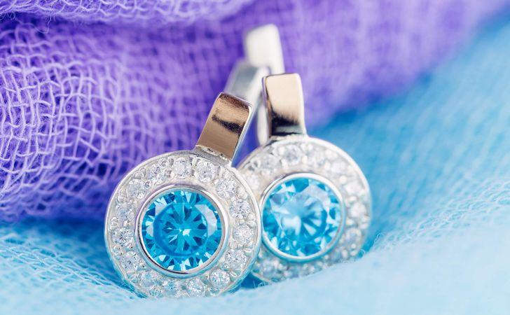ピンクや青は価値が高い?カラーダイヤモンドの色の種類とその価値