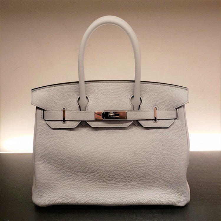 真冬に持つエルメス(HERMES)のバッグはこれで決まり!