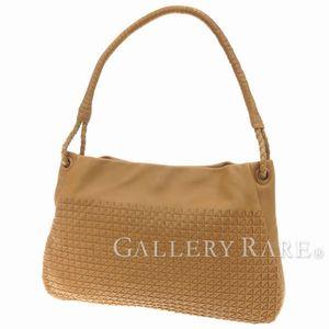 飾らない美しさと気品、ボッテガ・ヴェネタのレディースバッグ