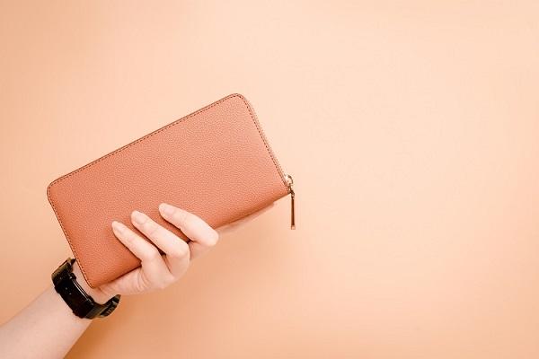 財布を選ぶときはサイズから
