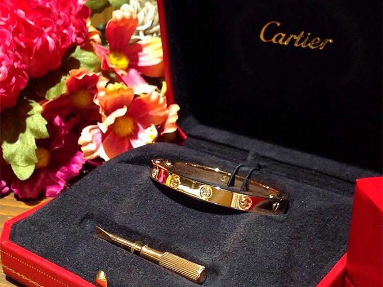 カルティエ(Cartier)、コンビニ始めました!?