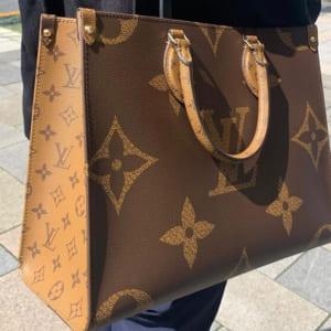 抜群の収納力でデイリーユースに最適のバッグといえば、オンザゴー!
